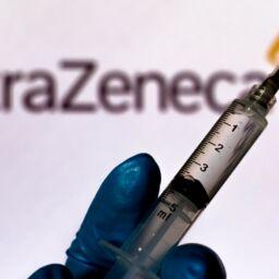 Vaccino Astra Zeneca nel Regno Unito
